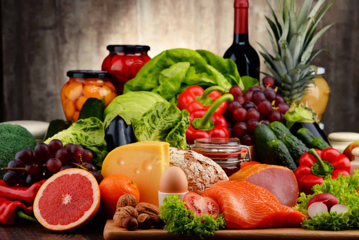 Ăn uống đủ chất giúp làm giảm nếp nhăn quanh miệng